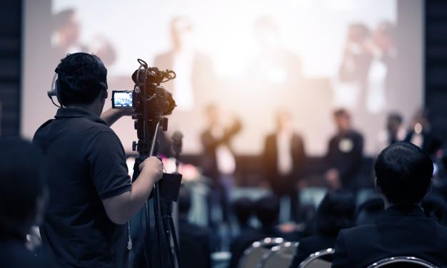 מה בודקים לפני עבודה אל מול אנשי צילום ועריכה?
